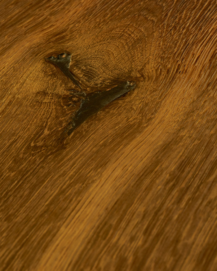 Oak extra wide plank brushed stained oiled Igneus